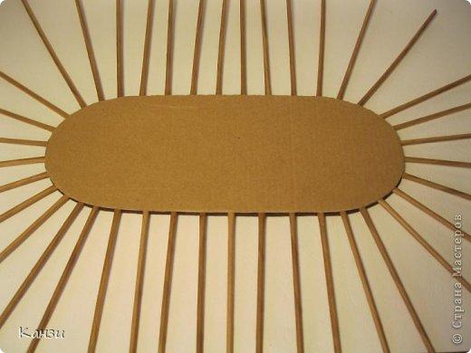 Газетные плетенки с вышивкой лентами. Мастер-класс (15) (520x390, 131Kb)