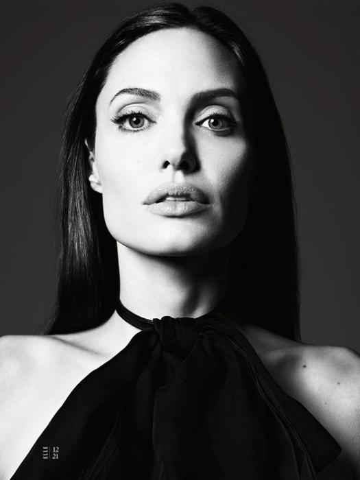 Анджелина Джоли фото 11 (525x700, 139Kb)