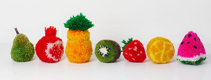 цветы и игрушки из помпонов (13) (697x265, 245Kb)