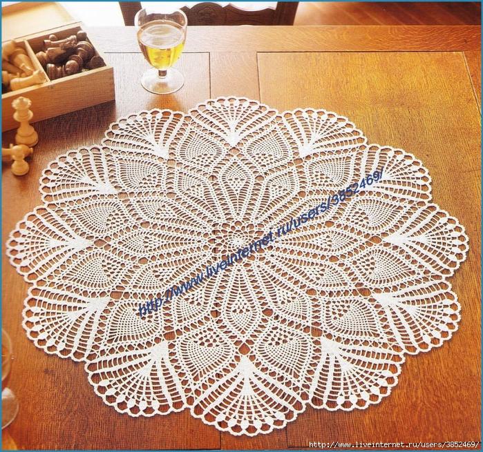 Круглая салфетка диаметр 64 см (700x655, 595Kb)