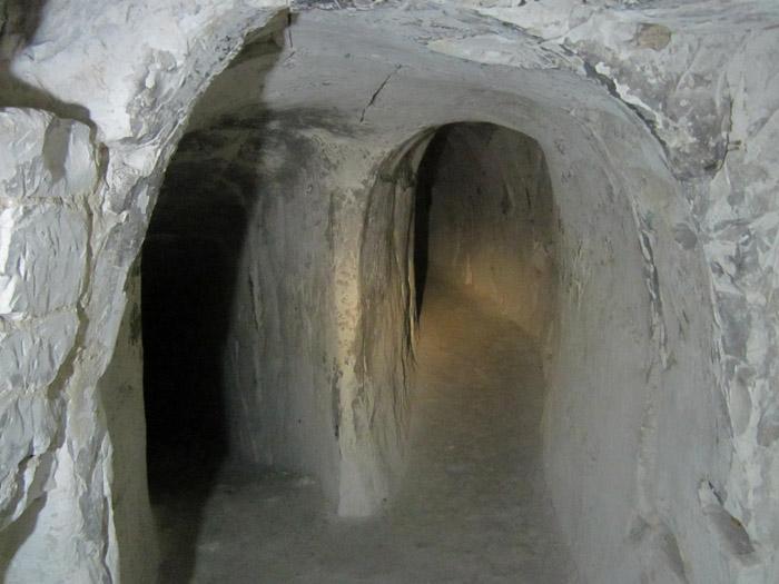 Пещеры Белогорья Малые Дивы4 (700x525, 232Kb)