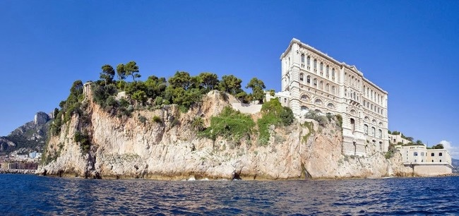 Monaco_oceanomuseum_rock_ (650x306, 150Kb)