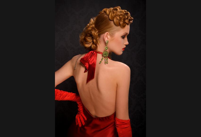 Прически для женщин в красном