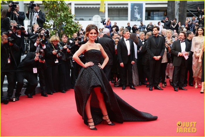 eva-longoria-riley-keough-foxcatcher-cannes-premiere-03 (700x468, 98Kb)