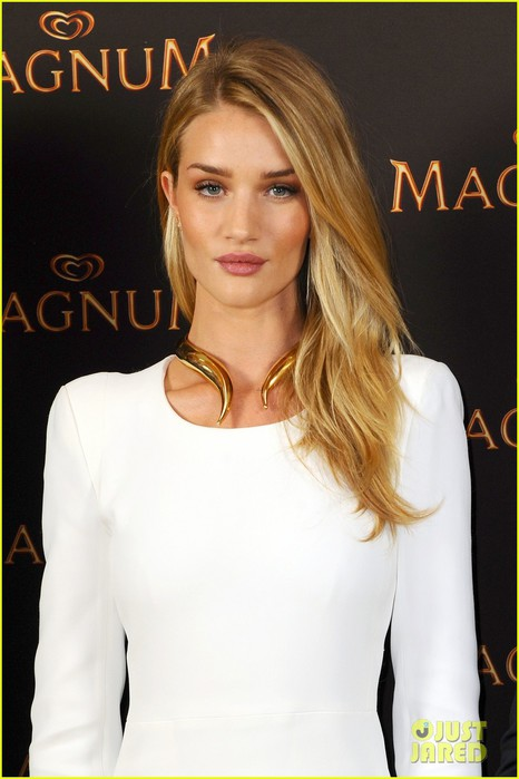 rosie-huntington-whiteley-debuts-new-magnum-short-film-04 (466x700, 65Kb)