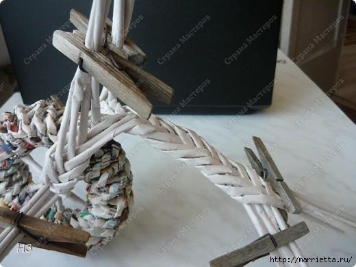 Плетение из газет. Велосипед. Мастер-класс (5) (520x390, 117Kb)