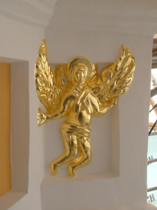 3418201_2012_04_03__Kyiv_Pechersk_Lavra_Bell_Tower_Angel_on_facade_under_the_Cupola_Paul_V__LashkevichDSC01726___69938164 (525x700, 199Kb)