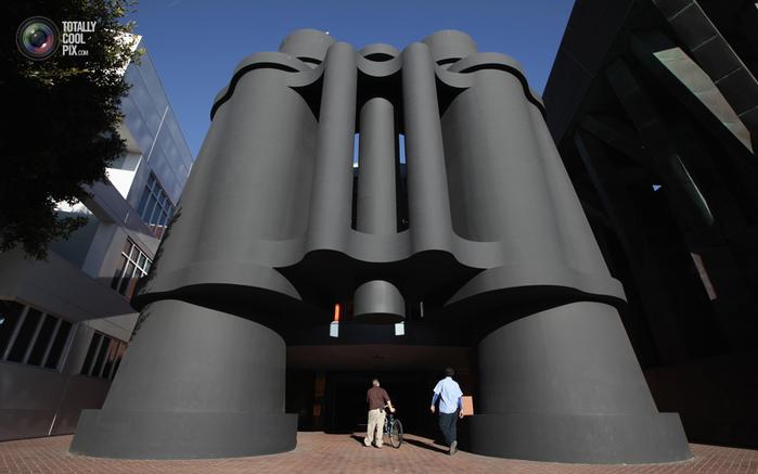 здание- бинокль в лос-анжелесе фото 6 (700x437, 230Kb)