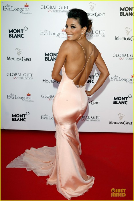 eva-longoria-sexy-back-cannes-global-gift-gala-01 (468x700, 68Kb)