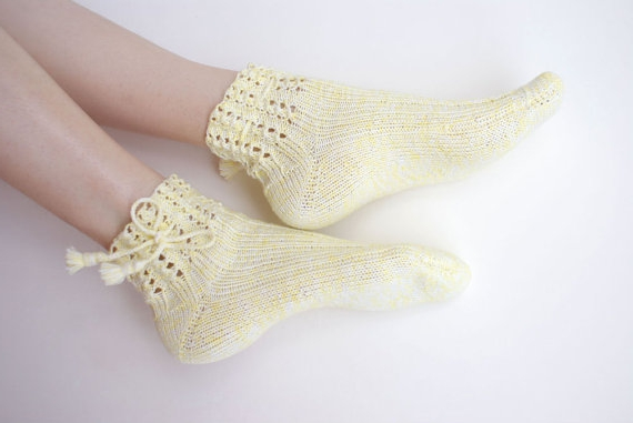 Чтобы ажурные носки спицами