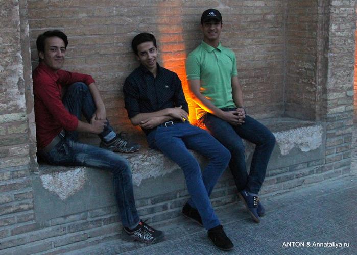 Иранцы. Какие они? IMG_8877 (700x500, 243Kb)