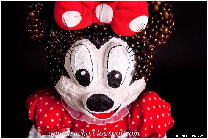 Minnie Mouse hecha de papel maché y granos de café.  Clase magistral (1) (700x468, 227KB)