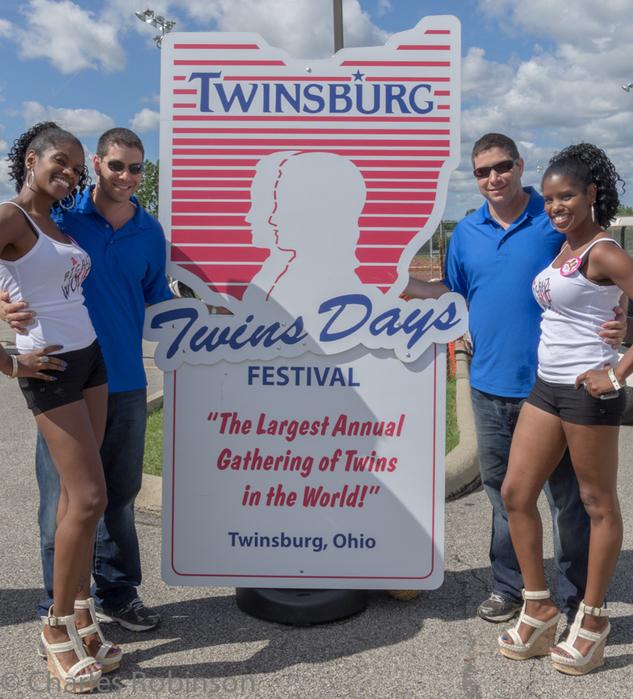 фестиваль близнецов в огайо фото 9 (633x700, 529Kb)