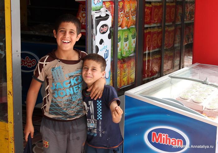 Иранцы. Какие они? IMG_9365 (700x492, 239Kb)