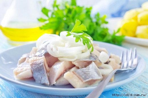 как посолить селедку рецепт, рецепт соленой селедки, как вкусно посолить селедку,