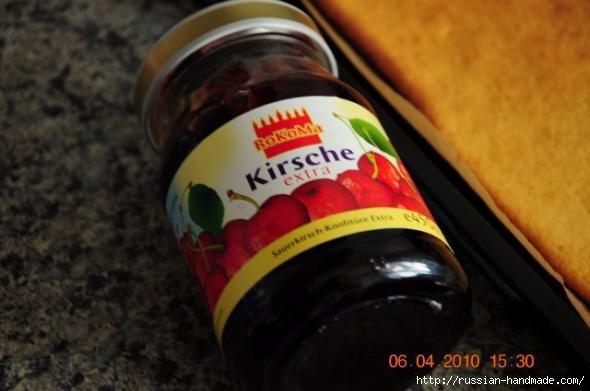 Рецепт нежного вишневого рулетика (7) (590x391, 100Kb)