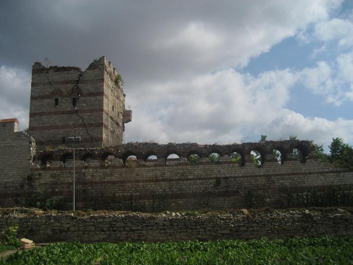 Стены Константинополя 04 (700x525, 261Kb)