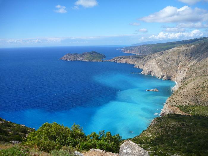 Melissani_cave_Kefalonia_Greece_08 (700x525, 220Kb)