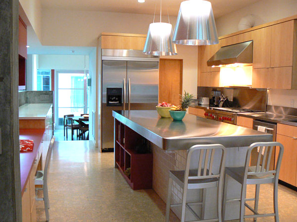 modern-kitchen-design-wooden-cabinets-stainless-steel-countertops (600x448, 241Kb)