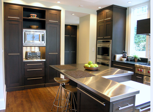 Stainless-steel-countertops-black-kitchen-cabinets (600x440, 217Kb)