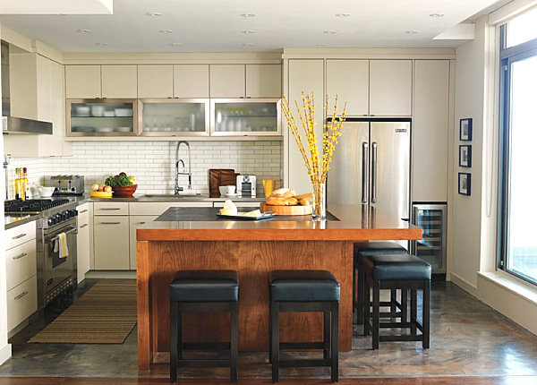 white-kitchen-cabinets-stainless-steel-countertops-wood-accents (600x430, 204Kb)