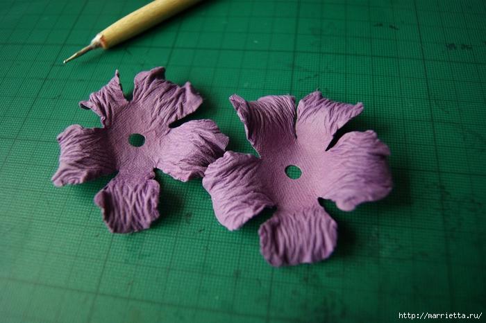 Бумагопластика. Цветочки в торфяных горшочках (10) (700x466, 243Kb)