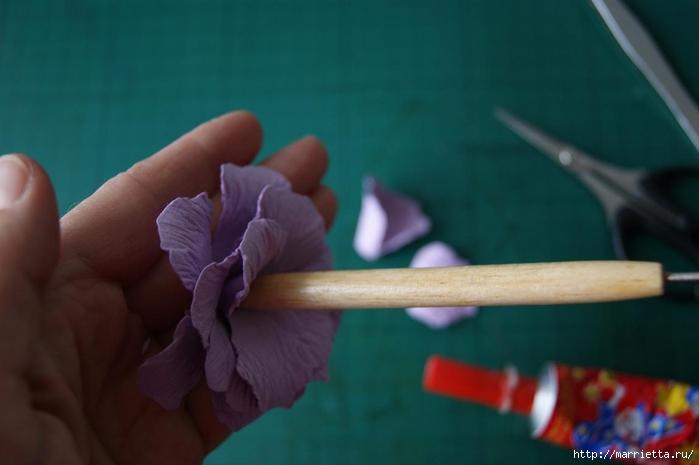 Бумагопластика. Цветочки в торфяных горшочках (22) (700x465, 136Kb)
