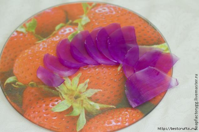 Делаем мыло с объемной розой (7) (635x423, 116Kb)