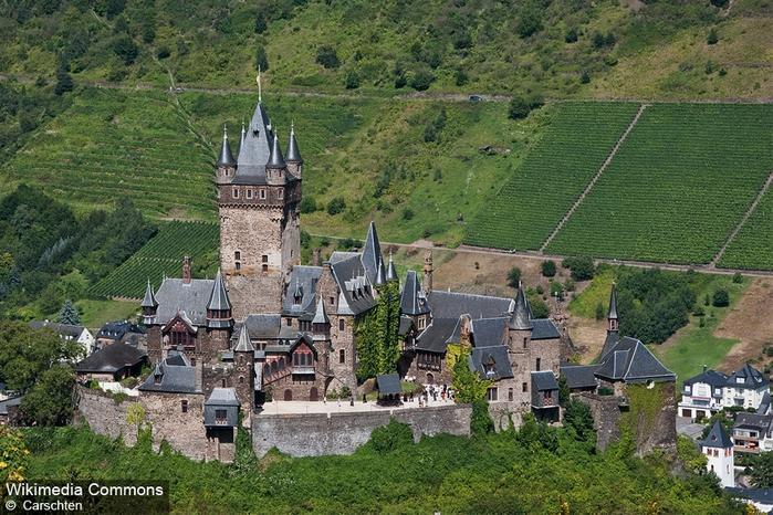 крепость Райхсбург германия фото 3 (700x466, 338Kb)