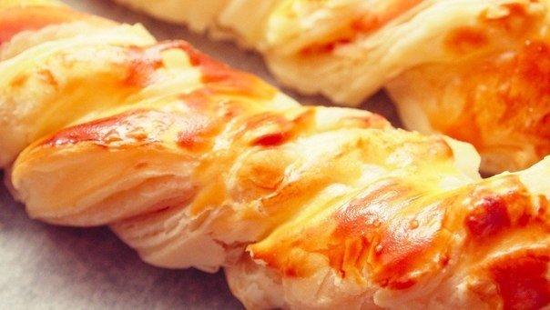 Слоёные косички с курицей и сыром (604x341, 41Kb)