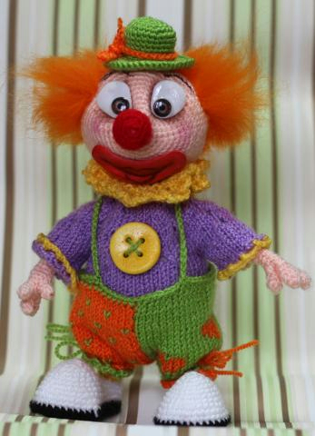 вязаный клоун, как связать клоуна, схема вязания клоуна,