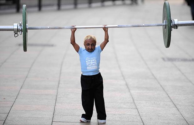 Самый мелкий в мире bodybuilder