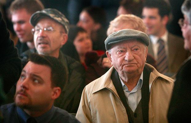 Неонацистские протесты музей Холокоста