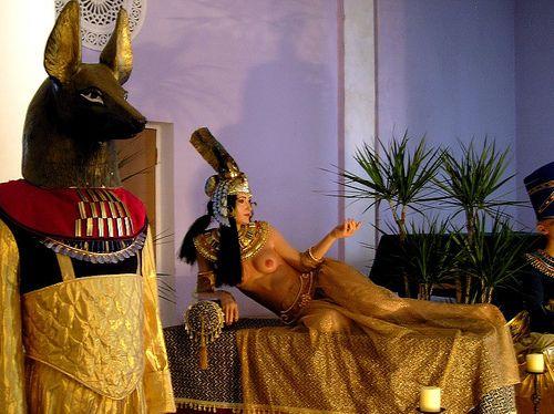http://img1.liveinternet.ru/images/attach/c/0//43/155/43155499_1240924497_Kleopatra2.jpg