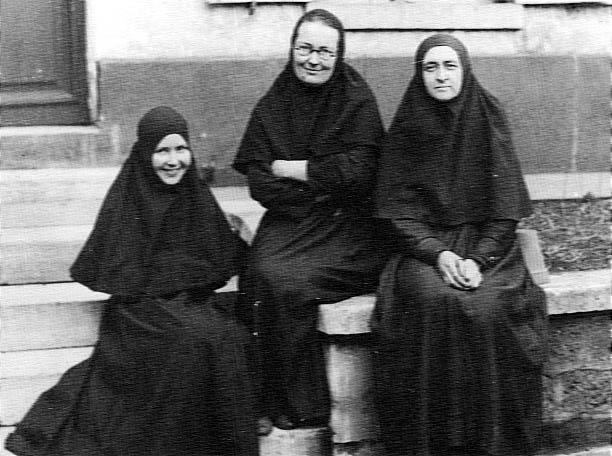 Мать Мария с матерью Евдокией и матерью Любовью (612x456, 58Kb)