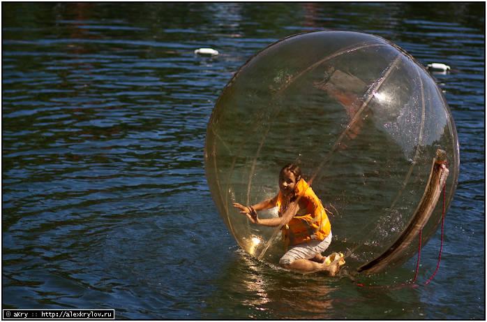 """Аттракцион """"Пузырь на воде"""""""
