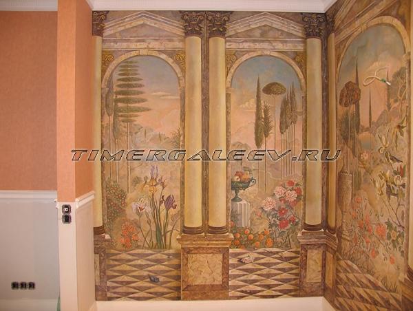 Фреска на стенах гостиной