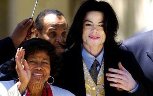 Майкл Джексон с матерью Кэтрин