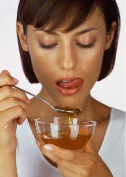 http://img1.liveinternet.ru/images/attach/c/0//47/690/47690111_woman_eating_honey_07.jpg