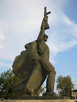 1251054145_Pamyatnik (252x336, 14Kb)