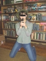 http://img1.liveinternet.ru/images/attach/c/0//51/655/51655350_22_foto_Motya_s_pistolem.JPG