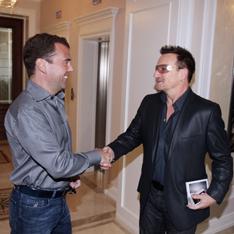 два лидера Дмитрий Медведев и Боно