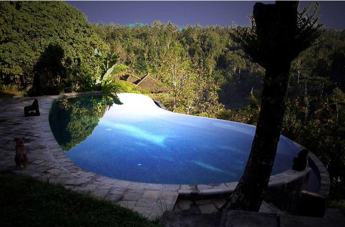 25 умопомрачительных бесконечных бассейнов мира