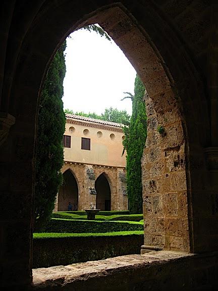 Тайны испанского монастыря - Monasterio de Piedra 67341