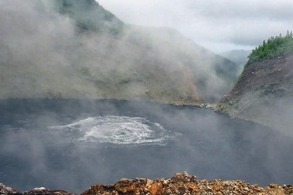 Кипящее озеро в Доминикане1 (600x400, 130Kb)