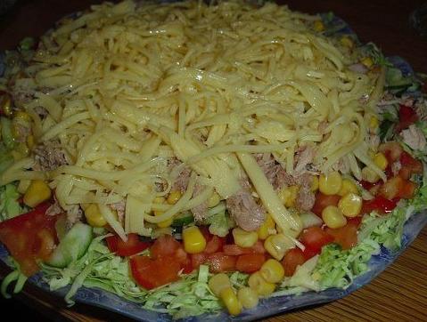 Салат капустный с тунцом