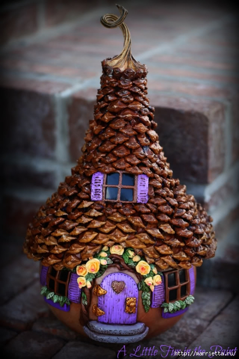 Изумительные сказочные домики из тыквы, полимерной глины и шишек (38) (466x700, 232Kb)