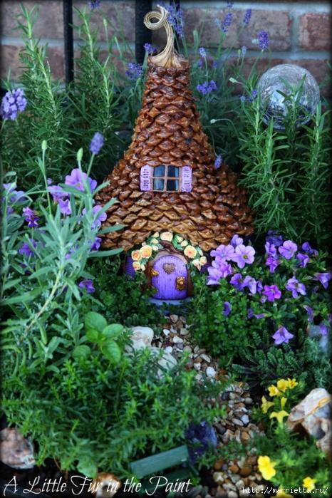 Casas de hadas asombrosas hechas de calabaza, arcilla polimérica y conos (40) (466x700, 356Kb)