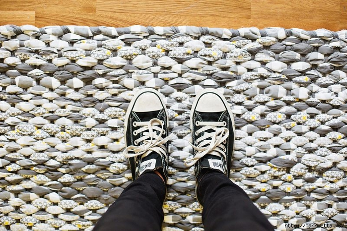 Тканый коврик из лоскутков своими руками (4) (700x466, 362Kb)