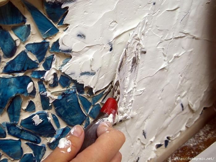 Grouting your Mason Jar Mosaic Backsplash! {Sawdust and Embryos}[4] (700x524, 307Kb)